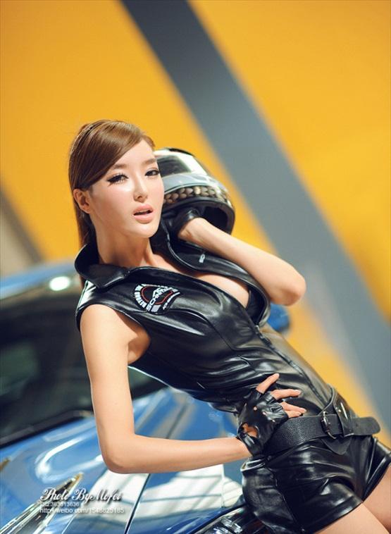 Li Ying Zhi 李颖芝 Popular Chinese Model From Qingda Chinese Sirens
