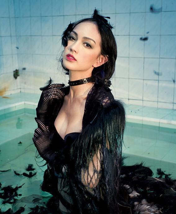 Jessica Cambensy sexy foto 57