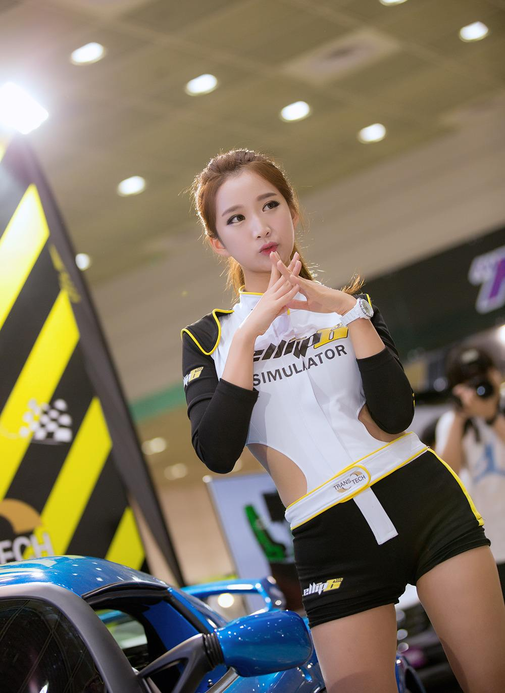 Car Shows Near Me >> China Auto Show Girls - Chinese Sirens